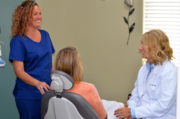 Platte City, MO patient at a dental exam with Staci Blaha, DDS from Platte Valley Dental Care